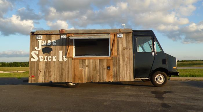 Build A Truck >> Unique Food Truck - GMC / Ultramaster / 1992 - For Sale - Roaming Hunger